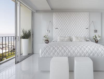 Kamar Tidur dengan warna cat nuansa putih