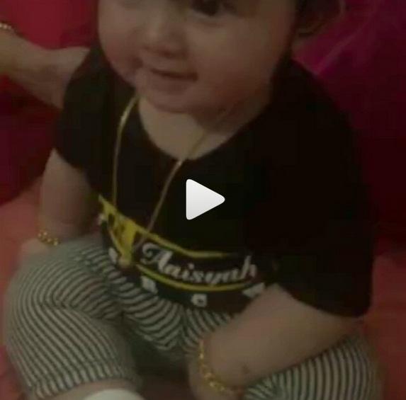 Aksi Aaisyah Berzikir dan Bertasbih Selepas Terawih Dengan Mummy Che ta ini Memang Cute Gilerr!!!