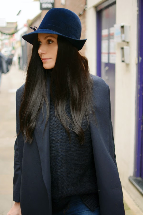 Blue_Outfit_LamourDeJuliette_WinterOutfit_Fashion_Blog_Modeblog_007