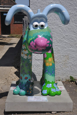 Blossom Gromit (front view)