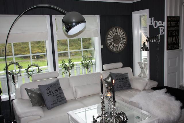 Daisys home: ny fondvegg pÅ stua