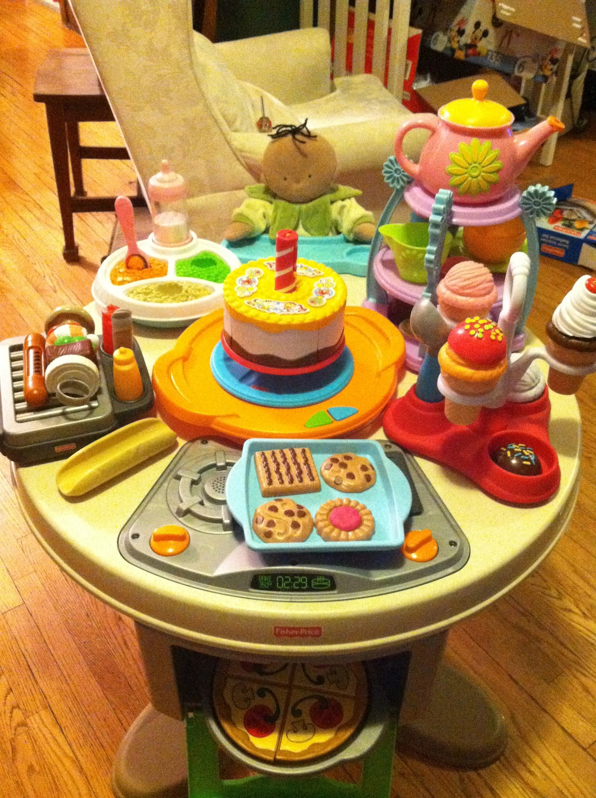 Fisher Price Servinu0027 Surprises Kitchen And Table