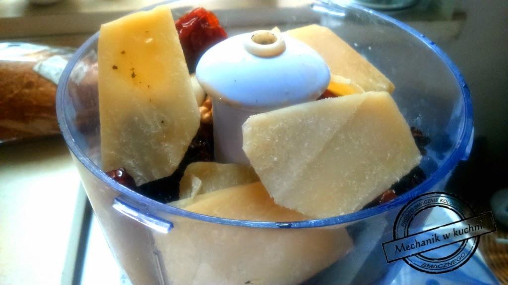 Pesto z suszonych pomidorów Mechanik w kuchni  parmezan suszone pomidory peperoncini kapary czosnek