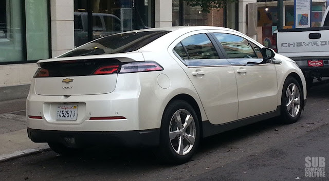 2013 Chevrolet Volt rear 3/4