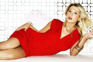 Tara Reid Hot