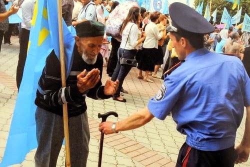 На территории Крыма больше нет украинской милиции. В случае провокаций мы останемся один на один с российскими спецслужбами...