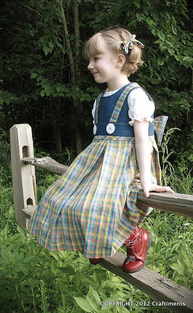Remake of Dorothy Dress from Wizard of Oz by Craftiments.com