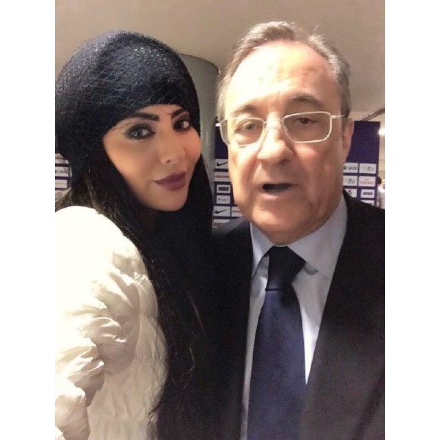 فنانة عراقية تلتقط سيلفي مع رئيس ريال مدريد