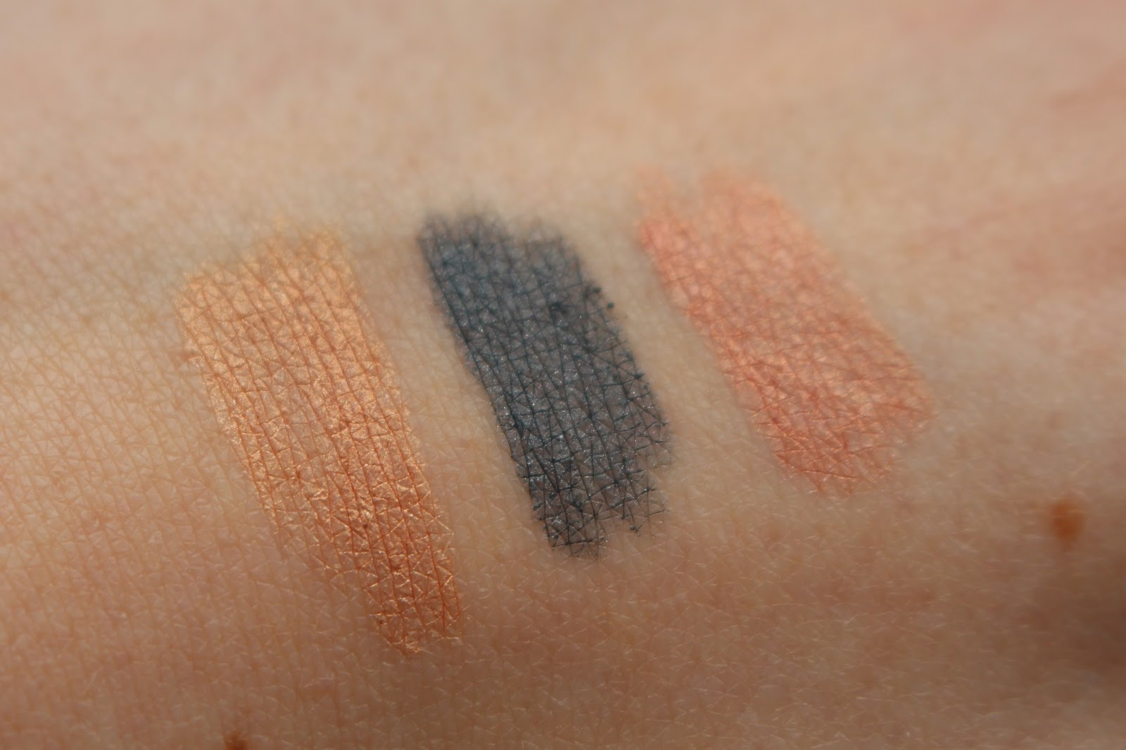 Bourjois Colorband Eyeshadow & Liner Swatches