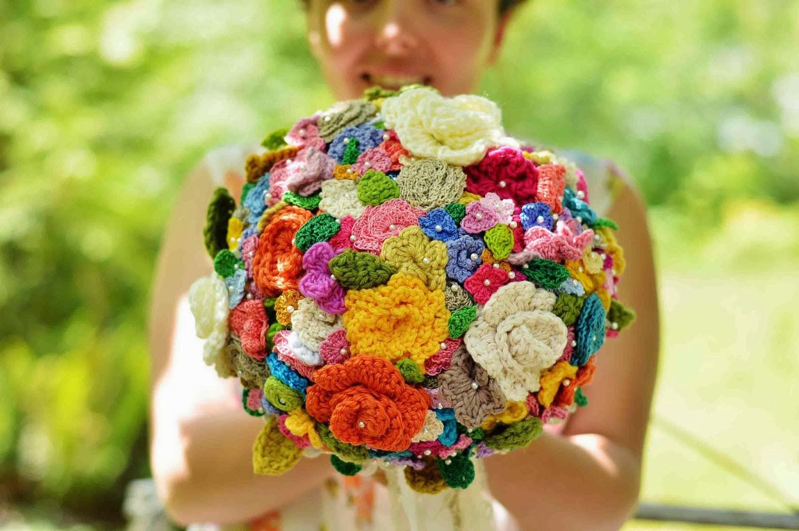 Украсить букет из живых цветов своими руками