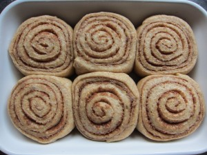 low sugar healthy cinnamon buns