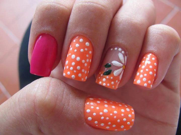 Simple Flower Nail Art Design: