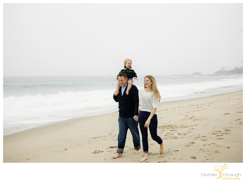 photojournalistic family portraits at beach