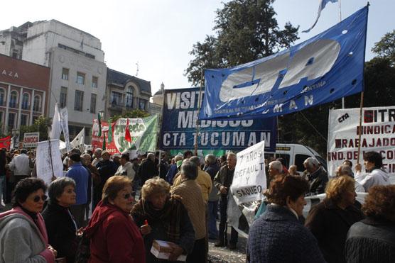 Jubilados marcharán desde Alberdi para exigir el pago del 82 por ciento móvil