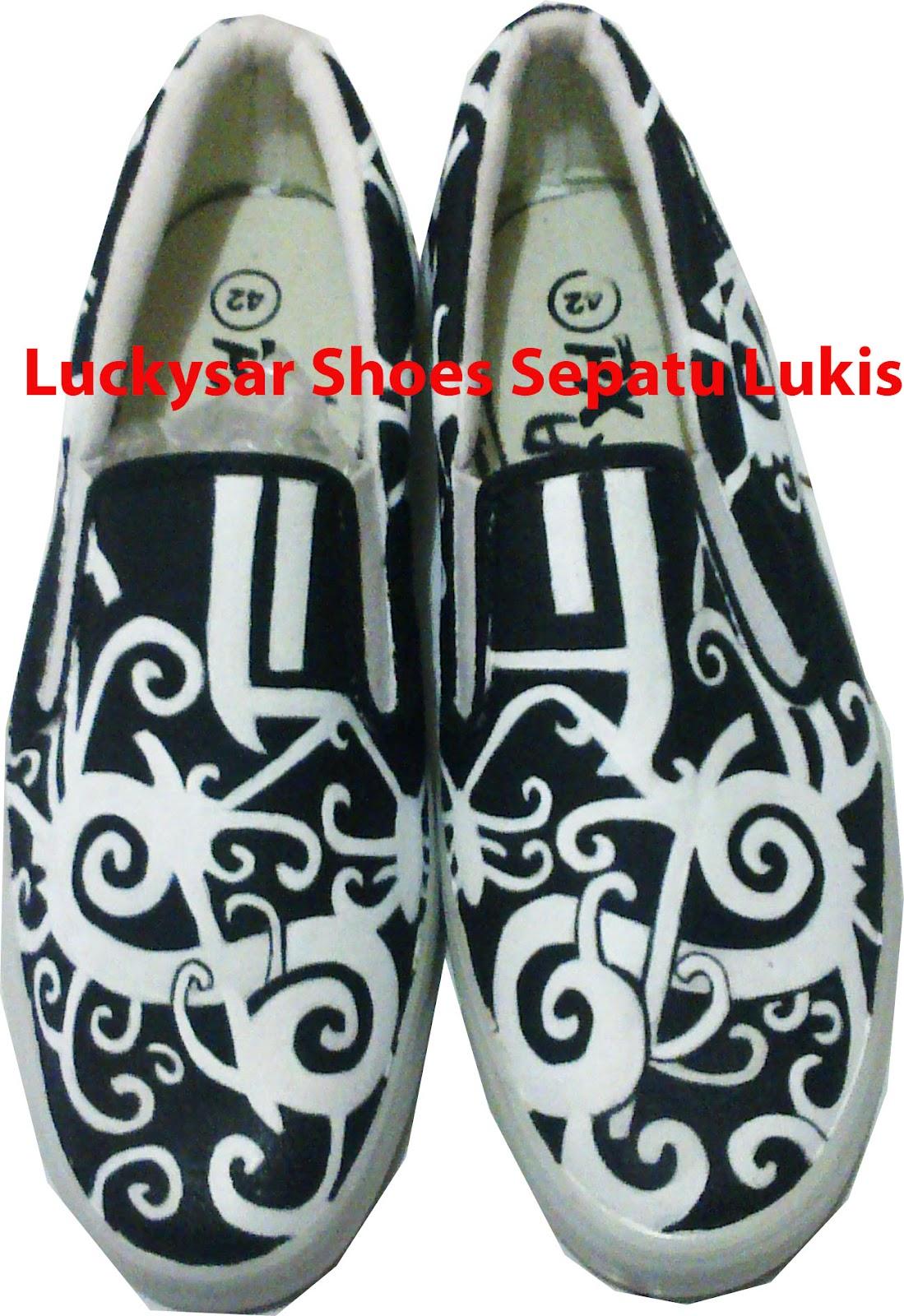 Sepatu Lukis Murah Bandung: Sepatu Lukis Batik Dayak