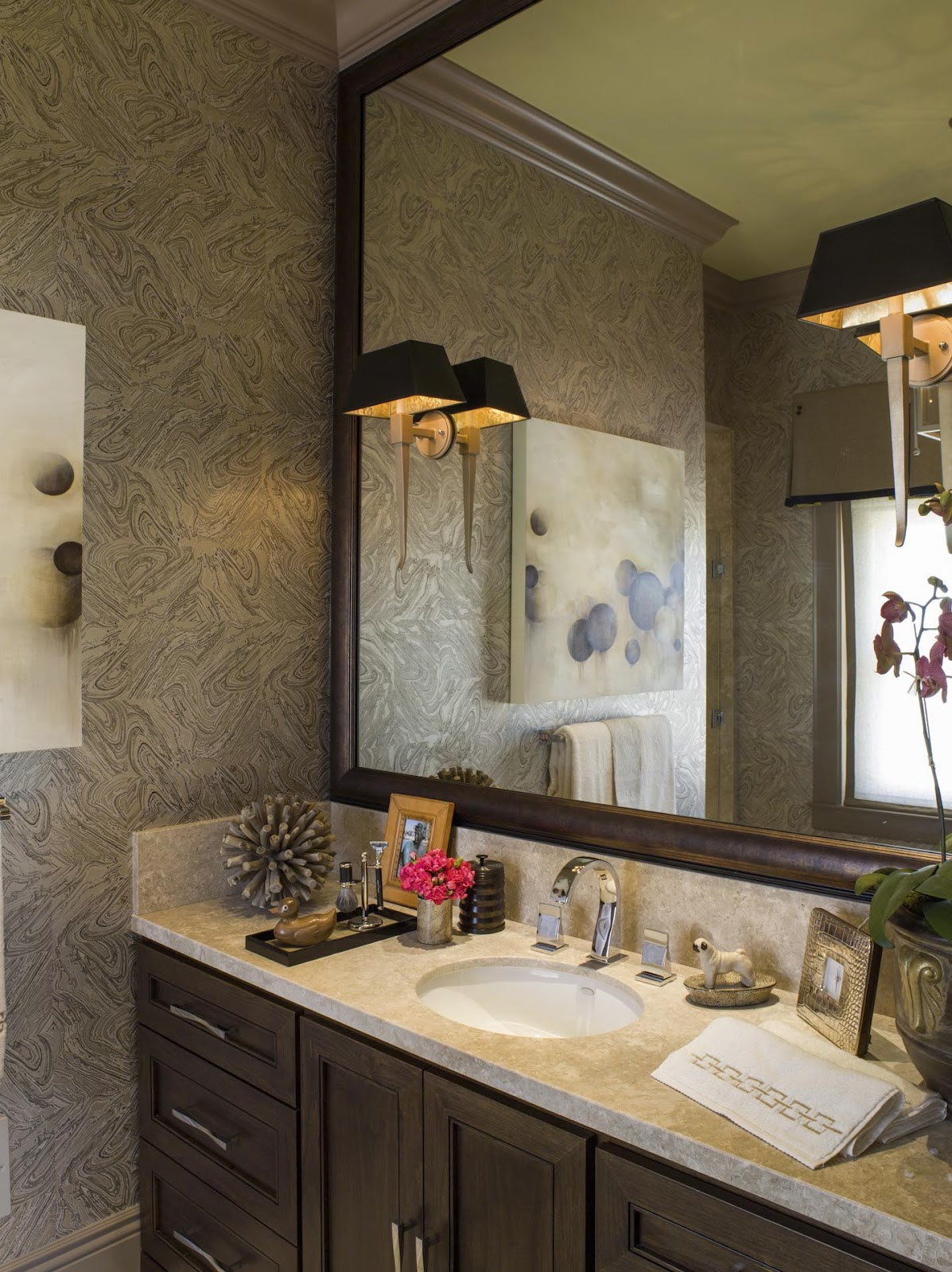 Bathroom wallpaper ideas bathroom wallpaper designs for Designer bathroom decor