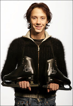 Johnny Weir:The best Ice Skater ever~