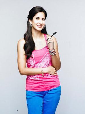 Katrina Kaif in Blue Leggings (Hot Pants), Young Bollywood Fashion, Katrina Kaif Hot in Uni Ball Pen Advertisement Stills