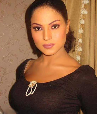 About Veena Malik Biography