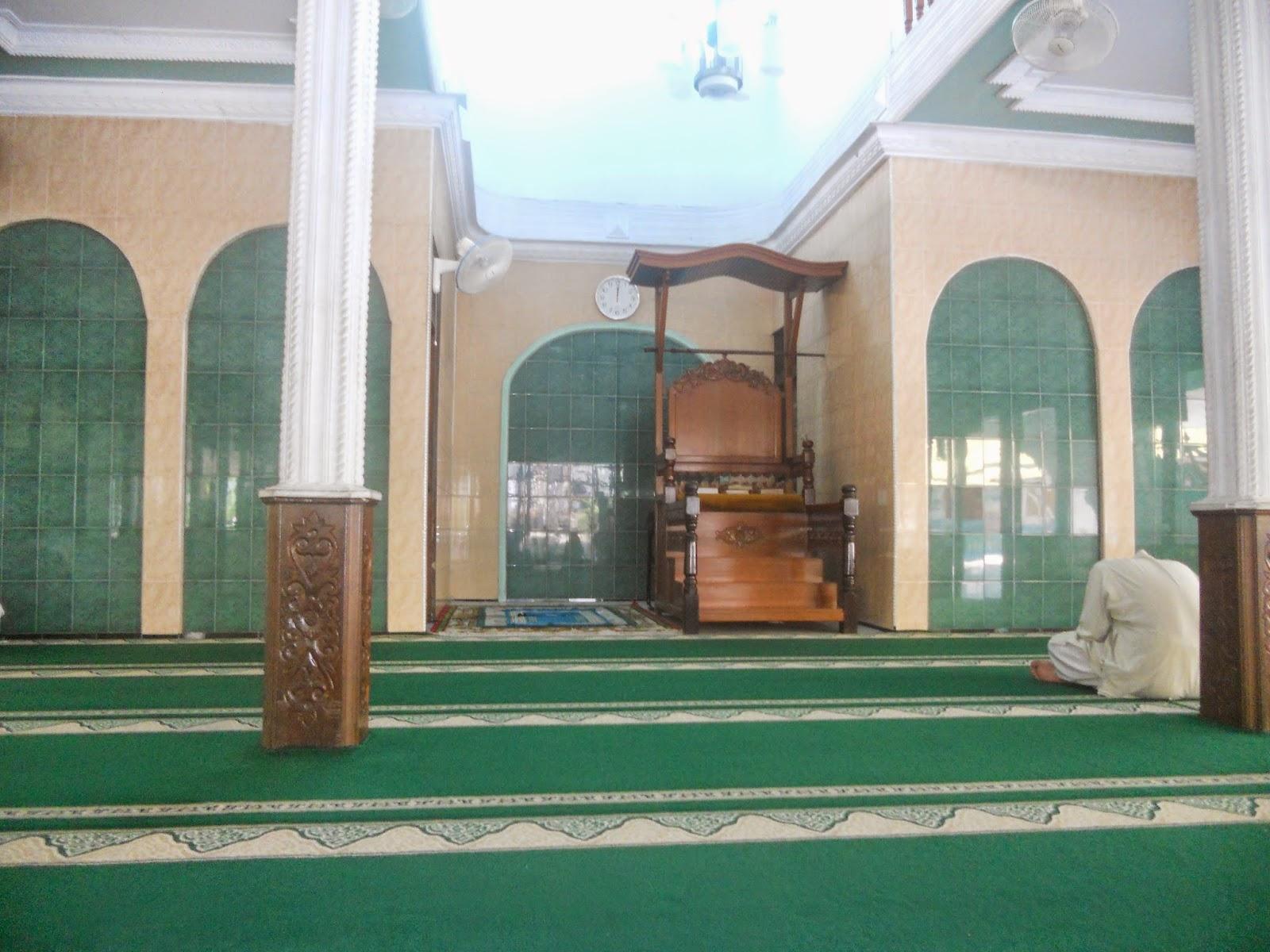 suasana dalam masjid