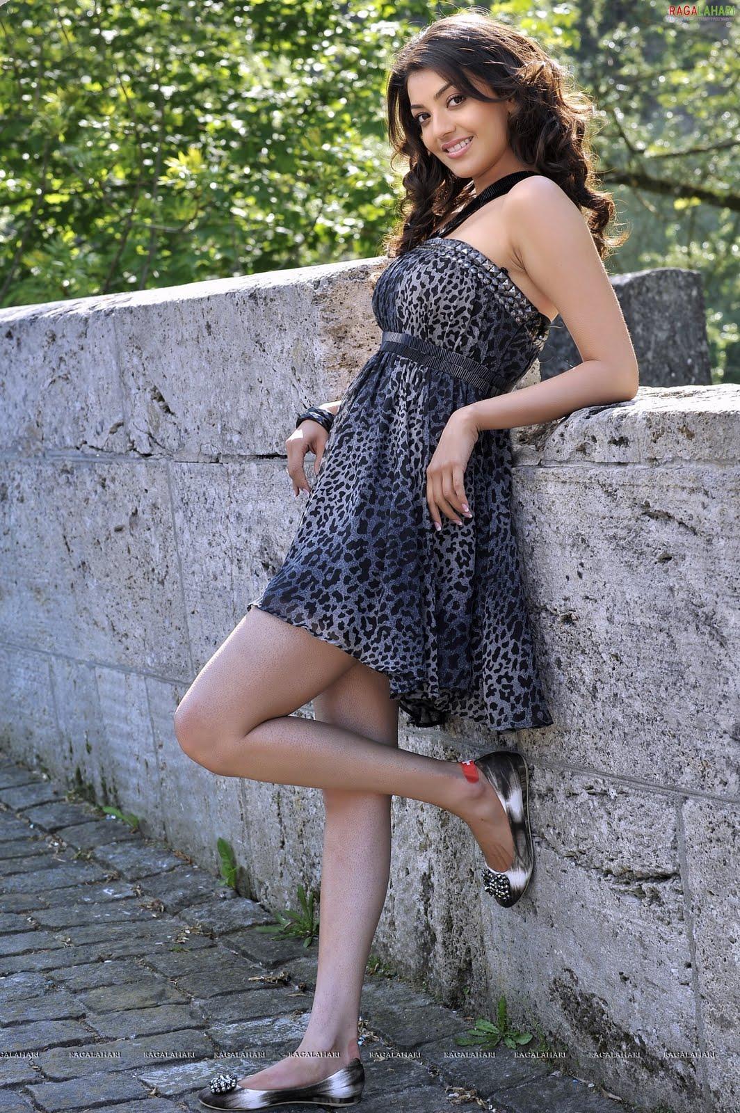 http://1.bp.blogspot.com/-n8qhR7H9R00/TeuUHx04JWI/AAAAAAAAIJ8/SEIiXPknKDU/s1600/veera-heroines-high-resolution4.jpg