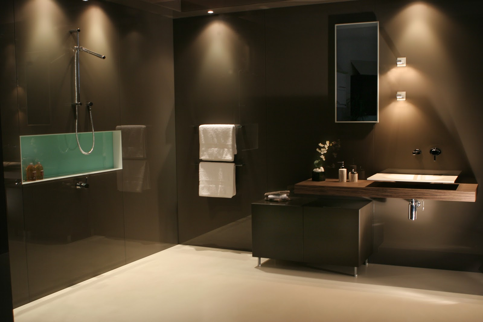 Minosa Minosa Collaborates With Deco Glaze To Complete This Stunning Showroom