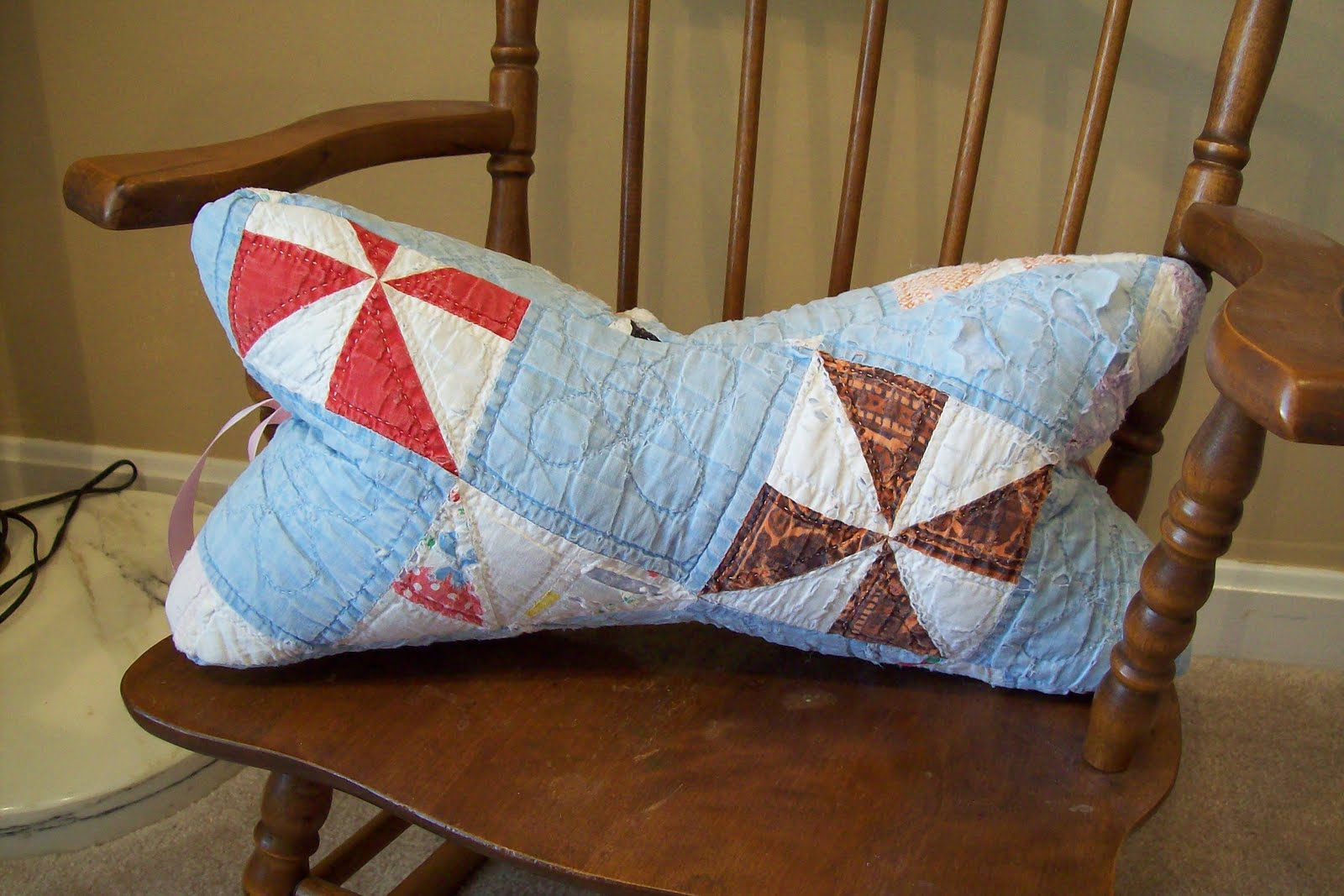 Lesley Stein Design: Sew Cute: Neck Pillows