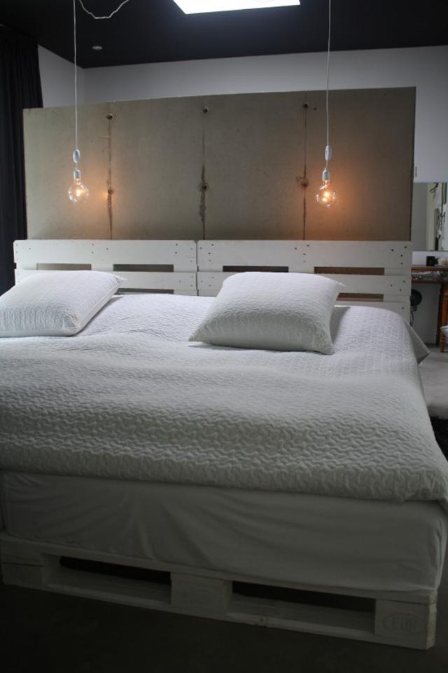 10 ideias de cabeceiras de cama com paletes de madeira reciclados