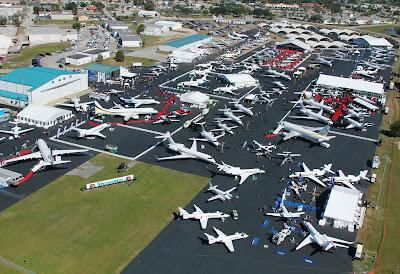 Embraer exibe portfólio completo e lança Lineage 1000E