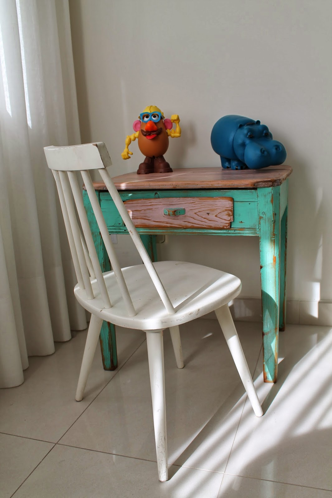 Vintager a mesa tocinera de tama o infantil ideal for Mesa escritorio infantil