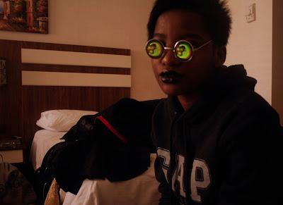 glitter daiquiri, tumblr, gap london, hipster, tumblr girl, black hipster girl, lennon sunglasses, lennon sunnies, black lipstick, dark girls are hot