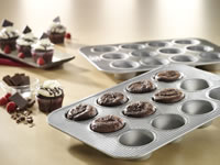 *closed* GIVEAWAY: USA Pan Muffin Tin and Loaf Pans 6