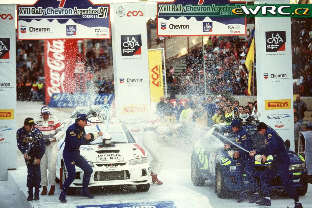Mitsubishi Lancer Evo 4 Tommi Makinen, Subaru Impreza WRC97 Colin McRae i Kenneth Eriksson. 1997 Rally Argentina.