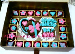 SET CHOC LOVE BOX ~ SIZE 'S' W 23 PRALINES & S/TEXT @RM70