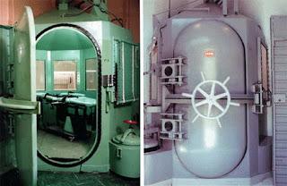 http://1.bp.blogspot.com/-nA-pkwNs9fQ/TcYULZ-qOCI/AAAAAAAAPVw/MVebYfWb_R4/s1600/Gas-Chamber.jpg