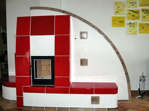 piros cserepkalyha
