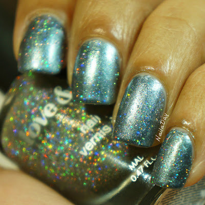 NailaDay: Barielle Snow Day with holographic sparkle