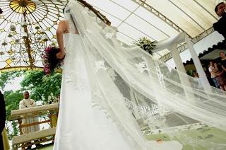 véu de noiva tamanho catedral longo
