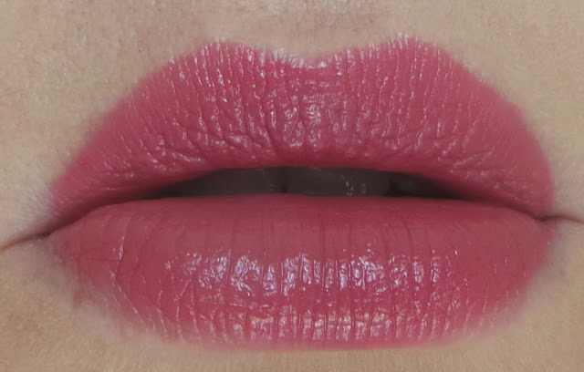 Clinque Pop Lipstick and Primer in 'Plum Pop' review
