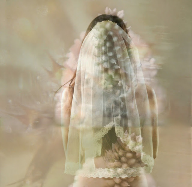 photo d'art autoportrait Vanessa Lekpa voile de mariée