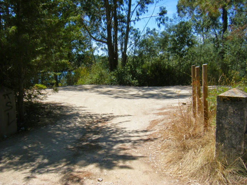 Parque de estacionamento perto da praia