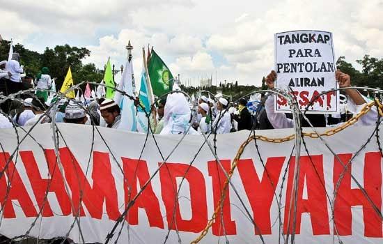 Pemerintah Cek Jemaah Ahmadiyah Lombok Diusir ke Hutan