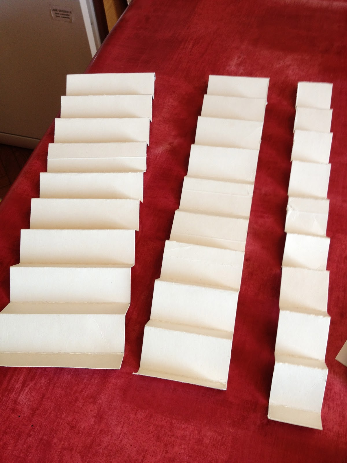 le petit monde de montessori f vrier 2013. Black Bedroom Furniture Sets. Home Design Ideas