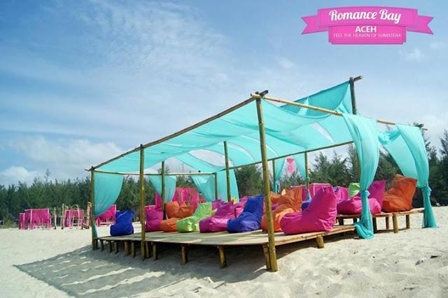 Pantai Romantis (Romance Bay) Aceh