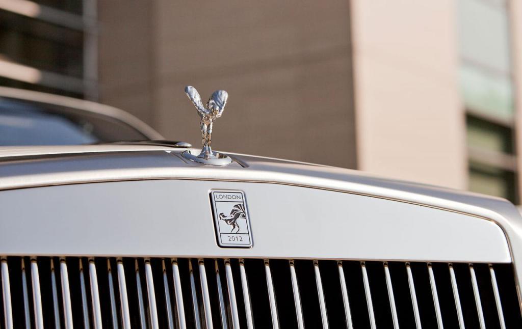 Rolls-Royce+Phantom+Drophead+Coup%C3%A9+2.jpg