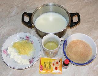 ingrediente necesare pentru prepararea unui cozonac floare de casa pufos cu nuca si cacao, retete culinare, cum facem cozonac pufos de casa,
