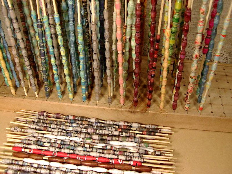 Artbyjean Paper Crafts How To Make Paper Beads With Bead