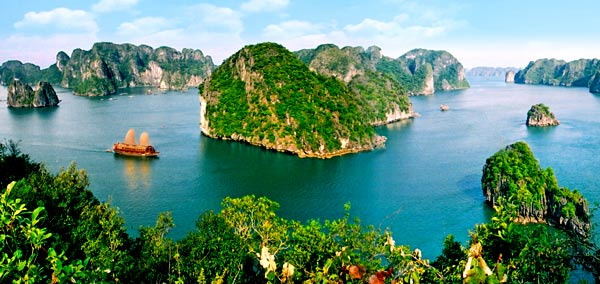 Private tour from Cai Lan Port (1day)