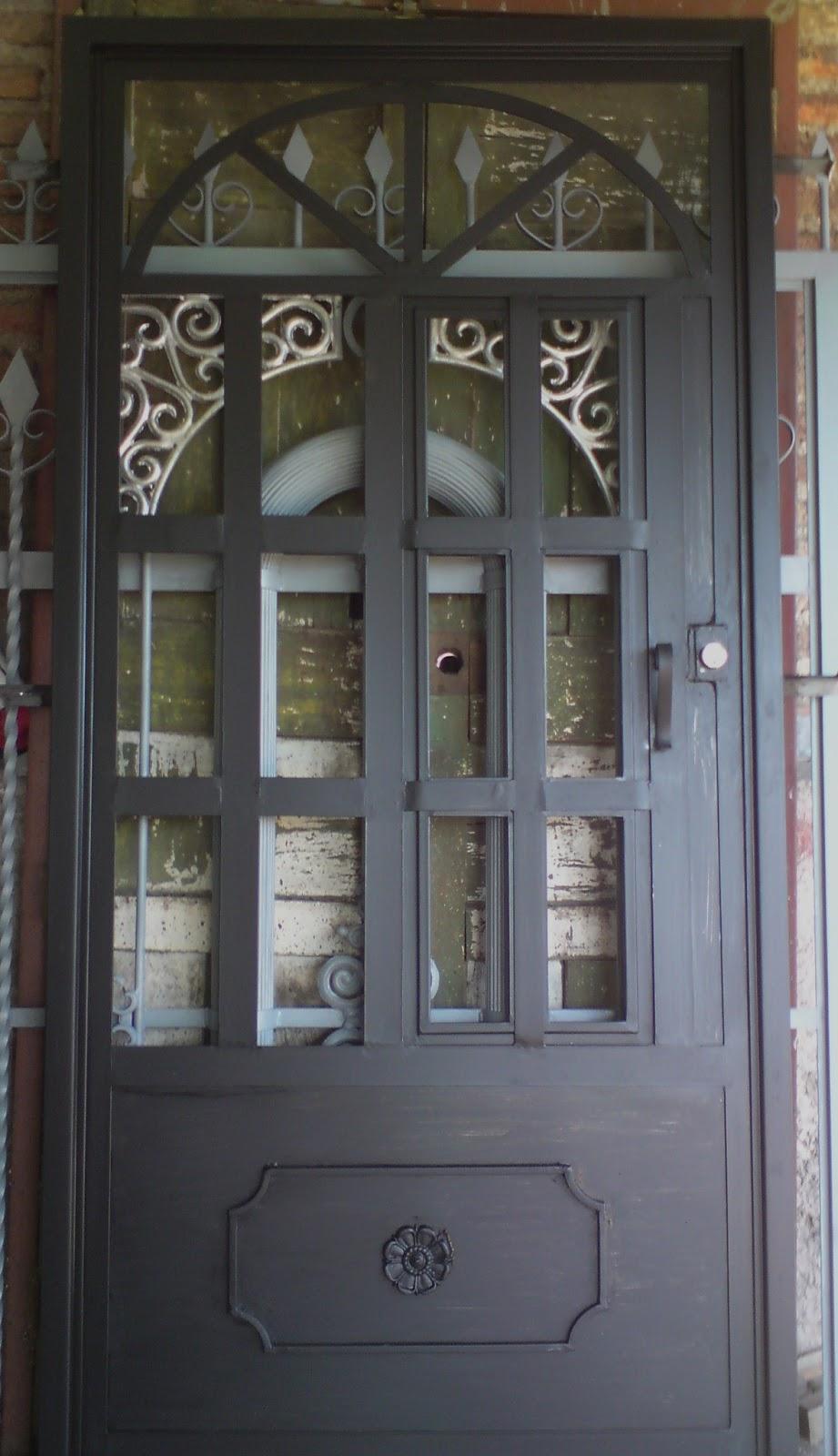 Herreria rober galeria de puertas for Puertas principales de herreria casas