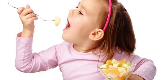 Tips Memberikan Makanan Sehat pada Anak